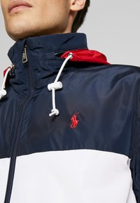 Polo Ralph Lauren - AMHERST FULL ZIP JACKET - Windbreaker - aviator navy/pur - 7