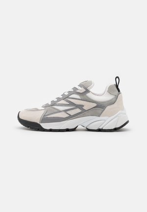 WAVE MIX - Trainers - gris
