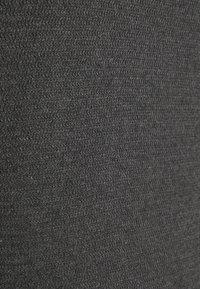 TOM TAILOR DENIM - ZIGZAG STRUCTURED CREWNECK - Stickad tröja - dim anthracite melange - 6