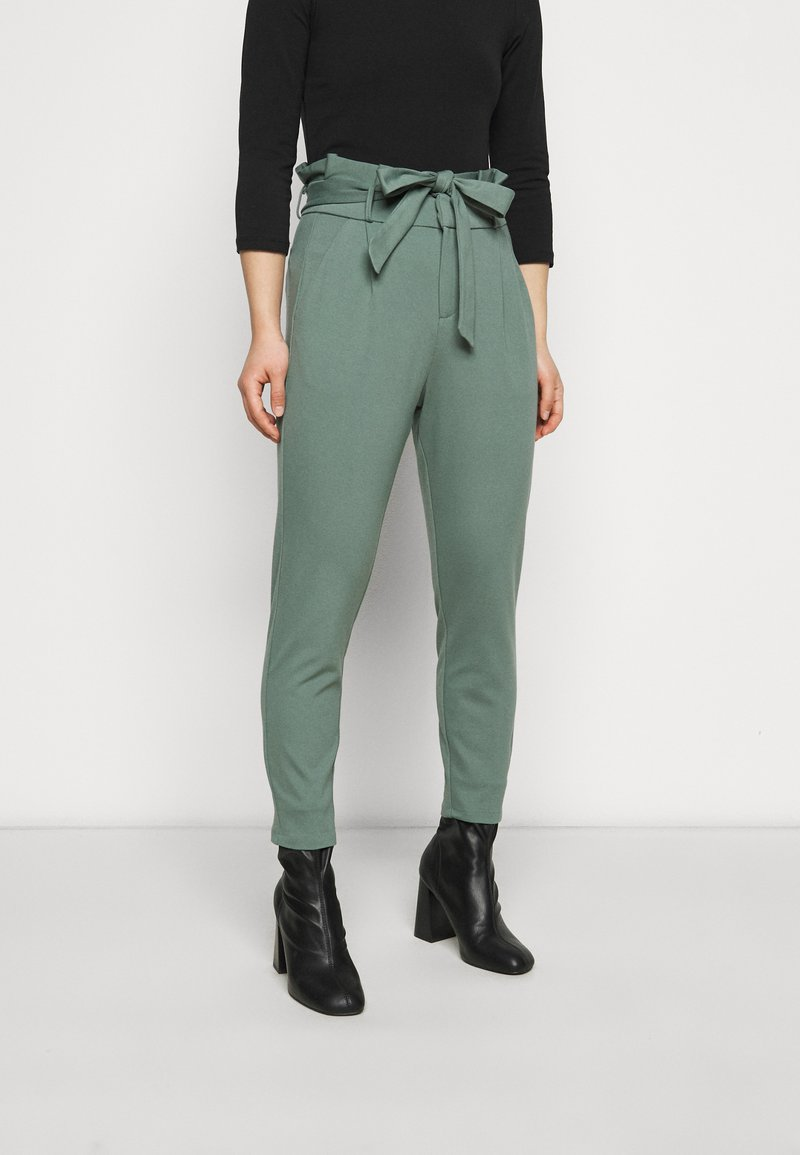 Vero Moda Petite - VMEVA LOOSE PAPERBAG PANT - Trousers - laurel wreath