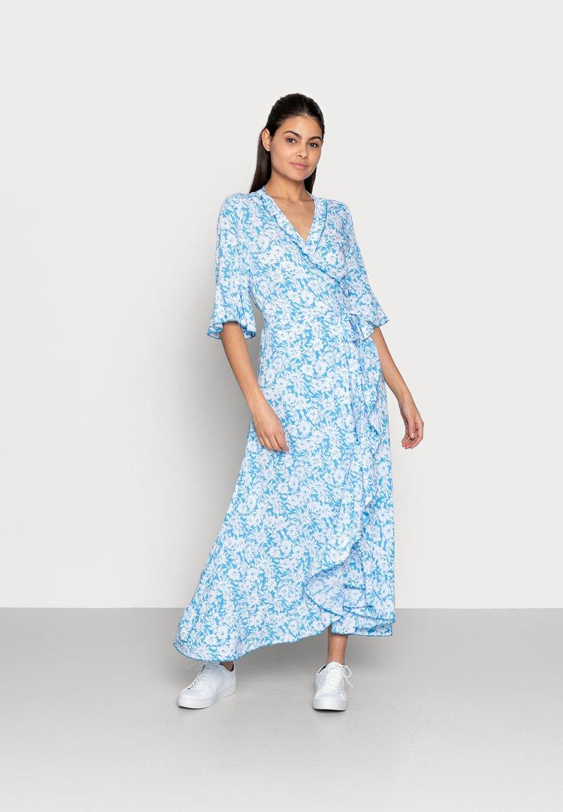 Esqualo - DRESS WRAP SUMMER SHADOW - Maxikjoler - light blue