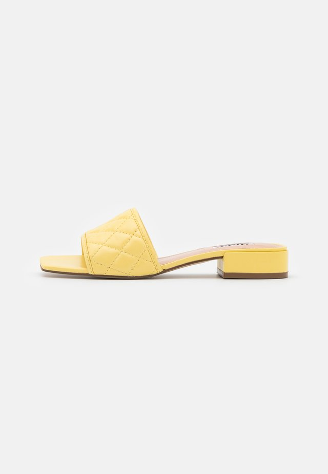 LINEAR - Mules - lemon