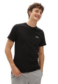 Vans - MN ISLAND DAZED SS - Print T-shirt - black - 0