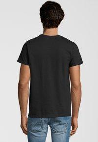 COBRAELEVEN - Print T-shirt - black - 1