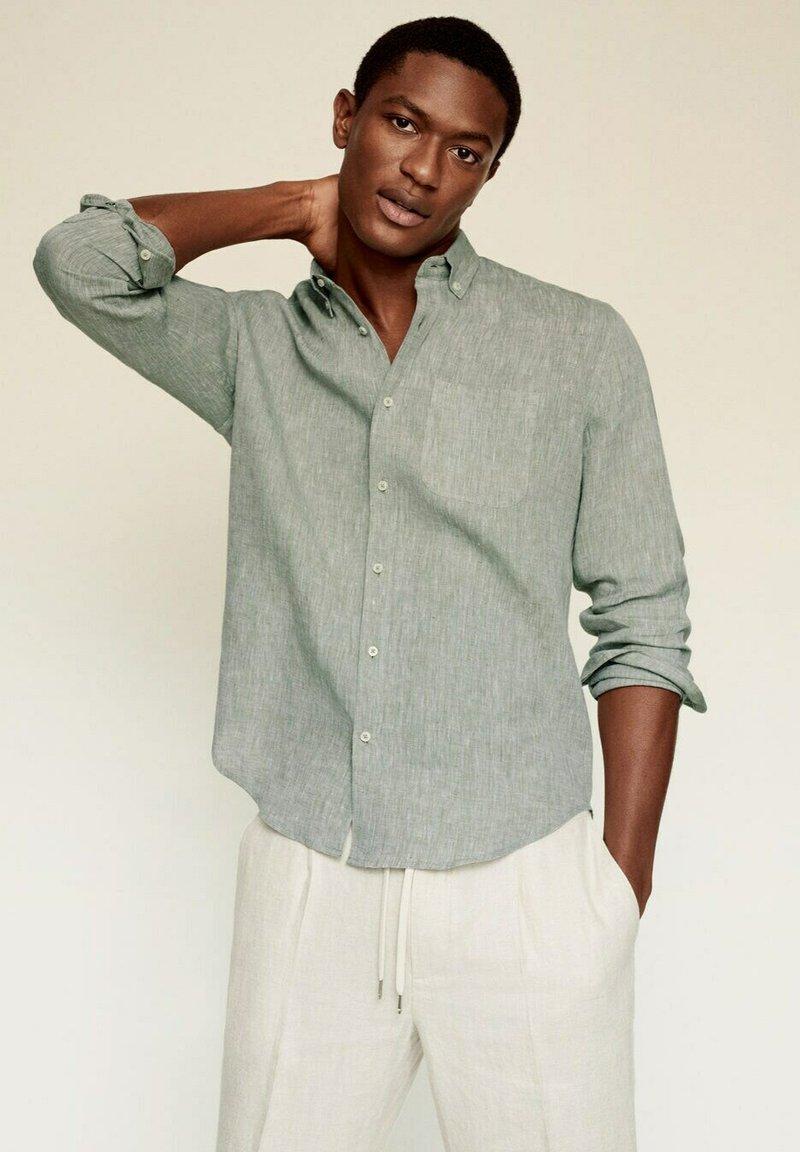 Mango - SLIM FIT - Camicia - khaki