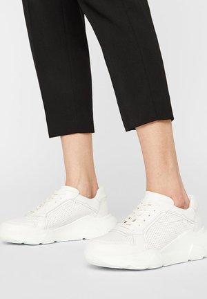 SNEAKERS LEDER - Sneakersy niskie - white