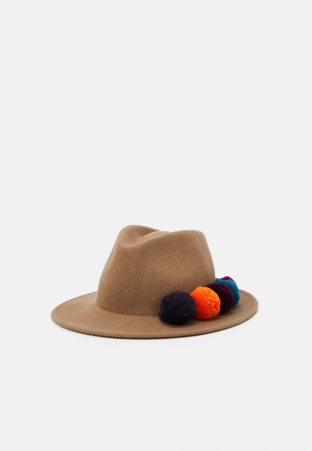 HAT POM - Hat - camel