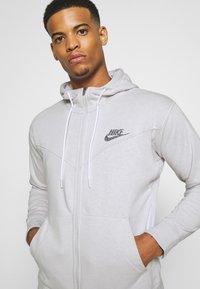 Nike Sportswear - HOODIE - Sudadera con cremallera - pure - 3