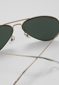 Ray-Ban - 0RB3025 AVIATOR - Solbriller - gold-coloured - 5