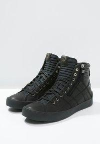Diesel - D-STRING PLUS - Sneakers alte - black - 2