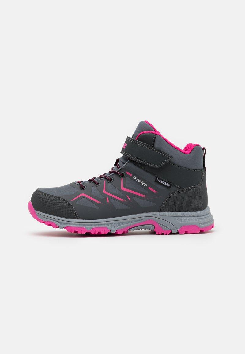 Hi-Tec - TRIO WP UNISEX - Zapatillas de senderismo - mid grey/dark grey/fuchsia