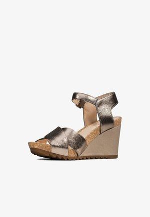Sandalias de tacón - steinbeige