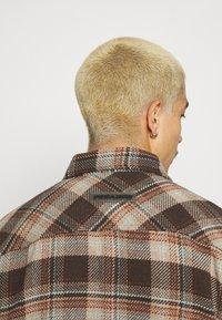 Pegador - DELTA HEAVY ROUND UNISEX - Button-down blouse - mississippi - 4