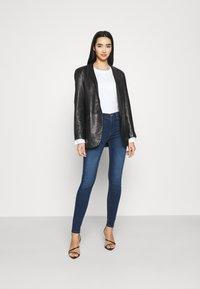 ONLY - ONLPAOLA LIFE - Jeans Skinny - dark blue denim - 1