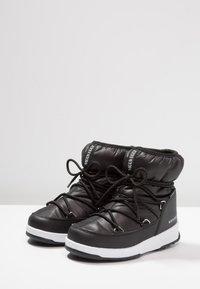 Moon Boot - GIRL LOW WP - Botines con cordones - black - 3