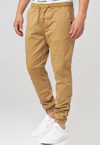 INDICODE JEANS - FIELDS - Pantalones - amber - 3