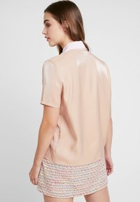 Sister Jane - INSECTA RETRO BLOUSE - Button-down blouse - coral - 2