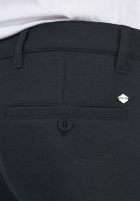 Solid - OLIVERO - Trousers - insignia blue - 4