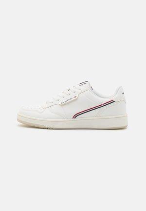 RC-SKOOL - Sneakers laag - white/red
