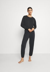 ONLY - ONLBIANCA LOUNGEWEAR SET - Pyjama set - black - 1