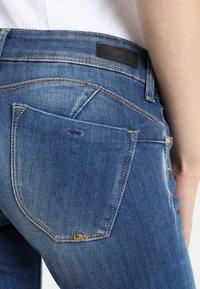 Le Temps Des Cerises - PULP - Slim fit jeans - blue - 3