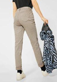 Cecil - Slim fit jeans - beige - 2