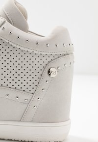 XTI - High-top trainers - hielo - 2