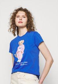 Polo Ralph Lauren - T-shirt con stampa - new iris blue - 3