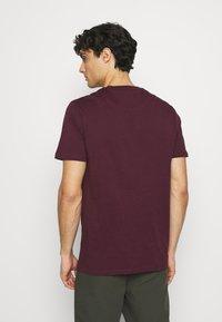 Lyle & Scott - T-shirt - bas - burgundy - 2