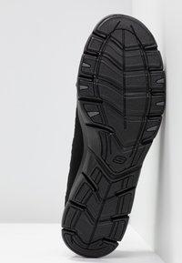 Skechers Wide Fit - STROLLING - Trainers - black - 6