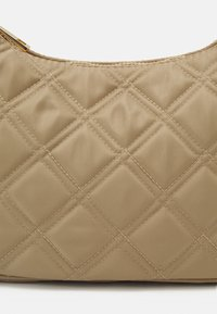 Lindex - BAG BAGUETTE QUILTED - Handväska - light beige - 4