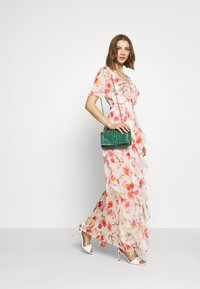 Missguided - FLORAL RUFFLE HIGH LOW MAXI DRESS - Suknia balowa - pink - 2