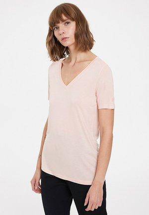ESSENTIALS DEEP - T-shirt basic - peachy keen