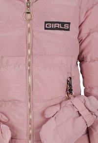 Cipo & Baxx - MIT HANDSCHUHEN - Winter coat - pink - 5