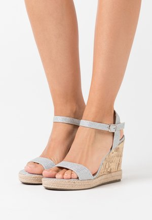 PERTH WEDGE - Korolliset sandaalit - silver