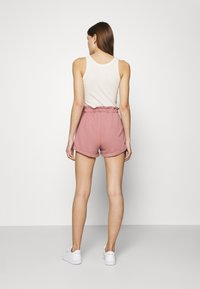 Abercrombie & Fitch - PAPERBAG SUM LEOPARD  - Shorts - rose - 2