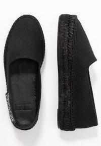 Versace Jeans Couture - LINEA FONDO - Espadrilky - nero - 3