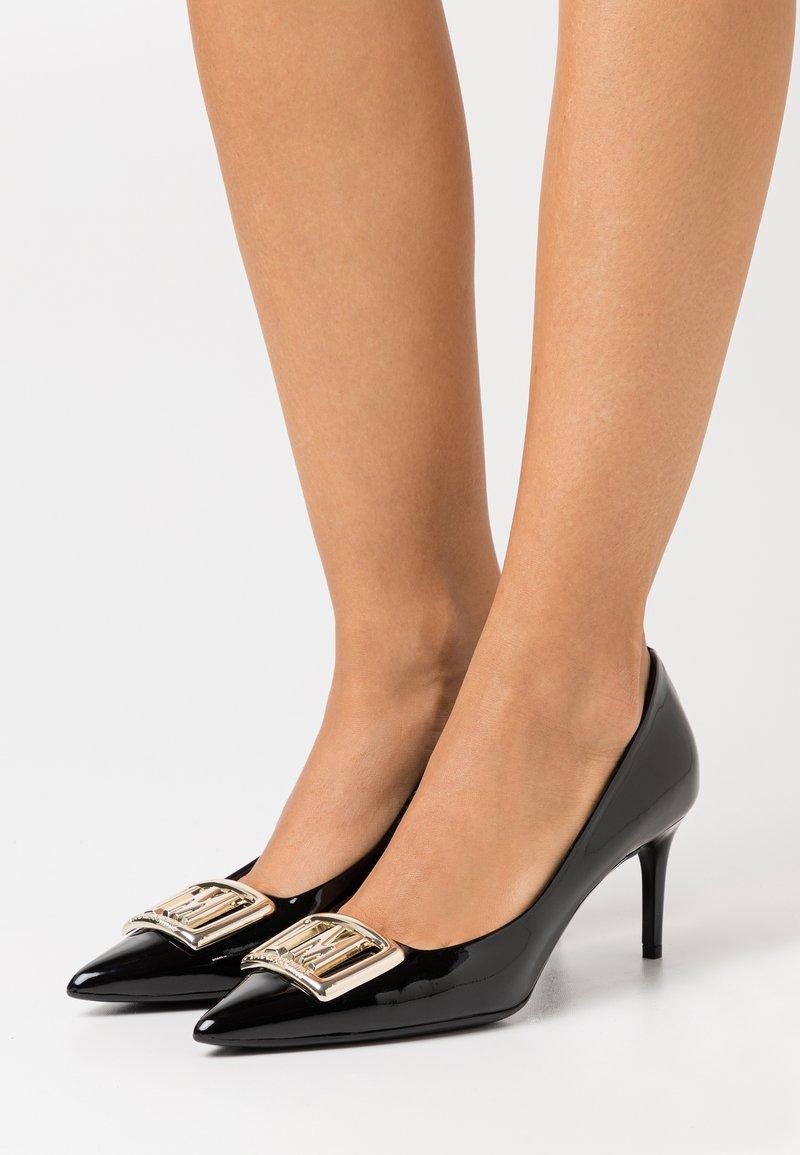 Love Moschino - GROUP - Classic heels - black