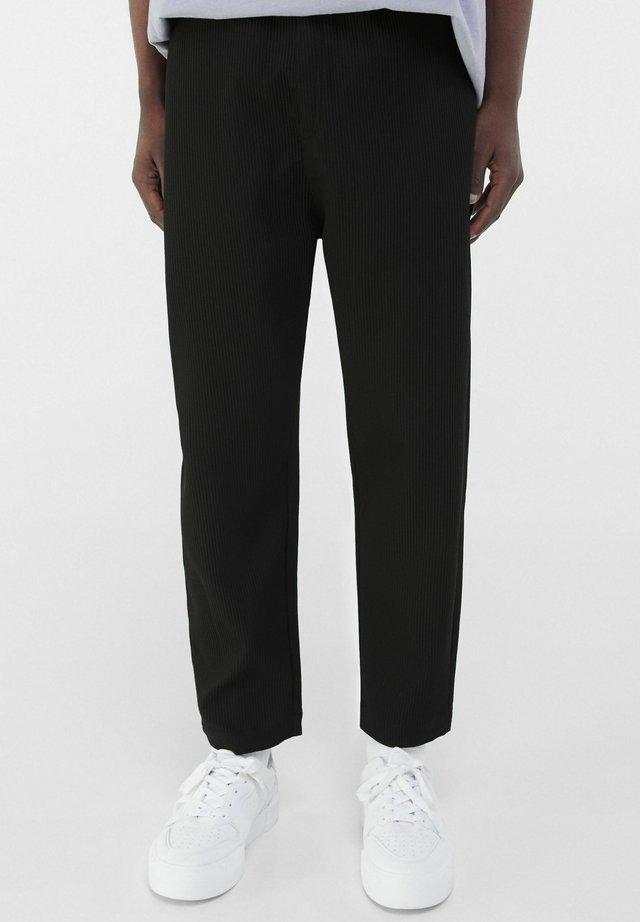 PLEATED EFFECT - Kalhoty - black