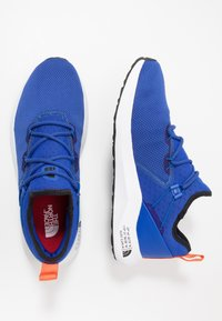 The North Face - MEN'S SURGE HIGHGATE - Hiking shoes - blue/white - 1