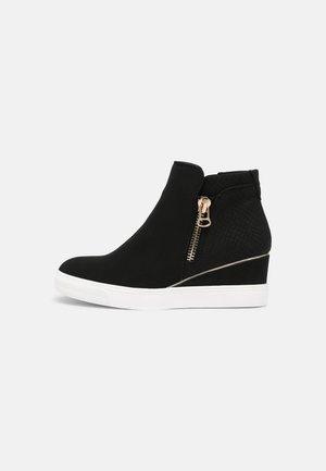 VEGAN YELI - Sneakers hoog - black
