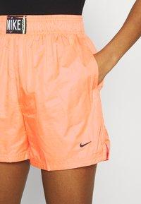 Nike Sportswear - Shorts - atomic orange/black - 5