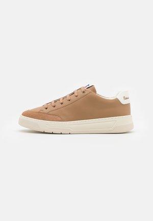 Sneakersy niskie - medium beige