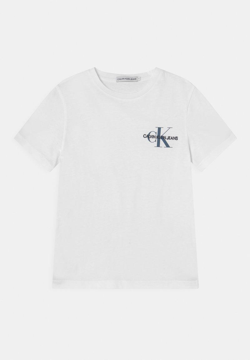 Calvin Klein Jeans - CHEST MONOGRAM UNISEX - Camiseta básica - bright white /misty sky