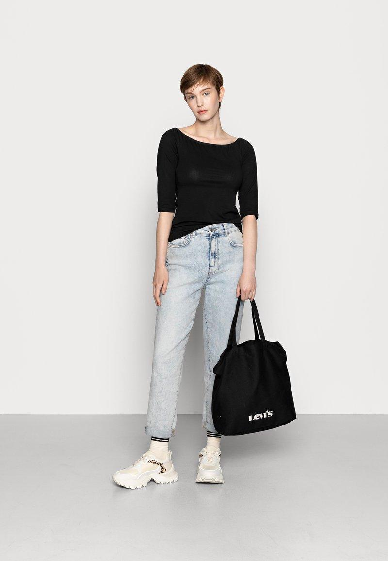 Even&Odd - 2 PACK - Langærmede T-shirts - white/black