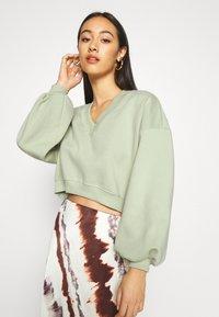 Monki - STELLA - Sweatshirt - green light - 3