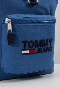 Tommy Jeans - HERITAGE BACKPACK - Rucksack - blue - 7