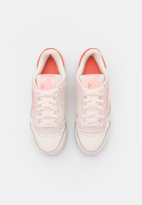 Reebok Classic - CLASSIC RIPPLE - Sneakersy niskie - chalk/classic white/morning fog - 5