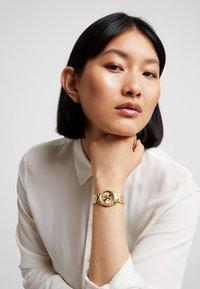 Guess - LADIES TREND - Horloge - gold-coloured - 0