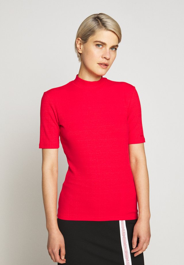 DINANE - Basic T-shirt - bright red